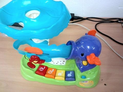 Lot 429 VTECH POP AND PLAY ELEPHANT RRP £39.99