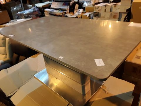 Lot 10058 DESIGNER GREY MARBLE EFFECT EXTENDING PEDESTAL DINING TABLE