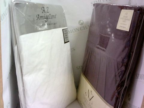 Lot 1023 2 FITTED VALANCE DOUBLE SHEETS - WHITE & PURPLE