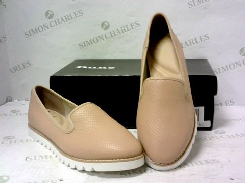 Lot 8071 BOXED PAIR OF DUNE SLIP ON SHOES SIZE 39
