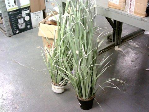 Lot 4173 2 X FAUX GRASS LED PLANTS