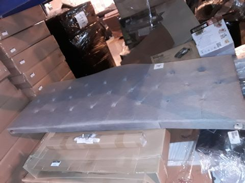 Lot 5165 BOXED GREY FABRIC SUPER KING SIZED HEADBOARD WITH BUTTON DETAILING