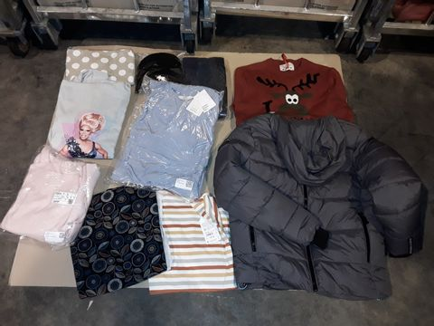 Lot 4048 CAGE OF ASSORTED UNPROCESSED CLOTHING ITEMS