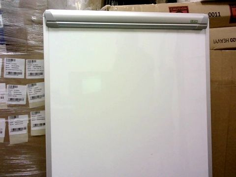 Lot 400 BI-OFFICE WHITEBOARD & STAND