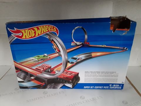 Lot 8416 HOT WHEELS 10 IN 1 SUPER SET