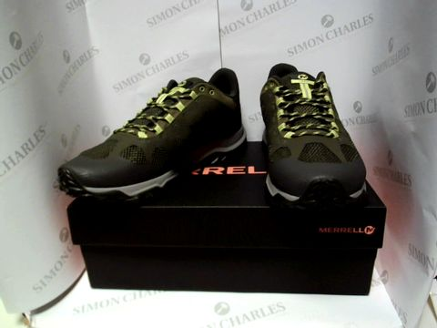 Lot 13040 BOXED PAIR OF DESIGNER MERRELL - UK SIZE 11