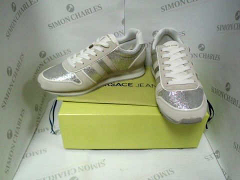 Lot 7113 BOXED PAIR OF DESIGNER VERSACE JEANS TRAINERS - UK SIZE 6