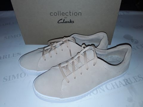 Lot 8051 BOXED PAIR OF CLARK'S PAWLEY SPRINGS SHOES IN BLUSH SUEDE - UK 6