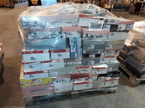 Lot 4010 PALLET OF APPROXIMATELY 114 PAIRS OF ASSORTED SHOES TO INCLUDE: