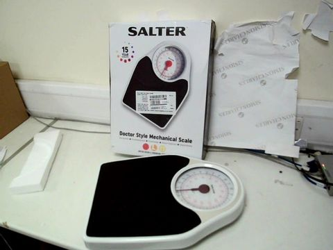Lot 376 SALTER DOCTOR STYLE MECHANICAL SCALE RRP £44.99