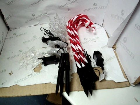 Lot 15167 CURLY PATHFINDERS OUTDOOR CHRISTMAS DECORATIONS AND CANDY CANE GARDEN STAKES RRP £72.00