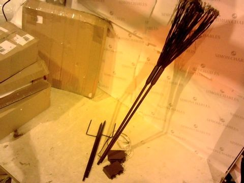 Lot 2416 LUXFORM BATTERY OPERATED SET OF 2 TWINKLING STAR LIGHT STAKES