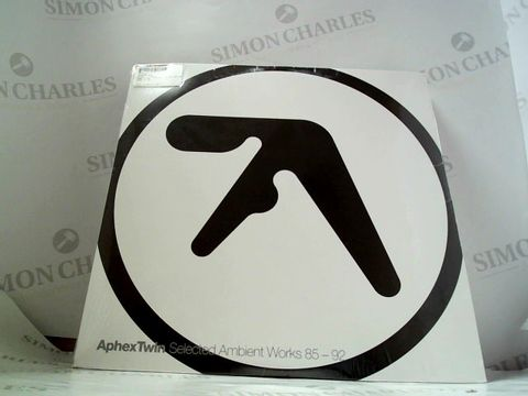 Lot 8283 LOT OF 10 ASSORTED VINYL RECORDS TO INCLUDE; APHEX TWIN, BRUNO MAJOR, PUMA BLUE ETC