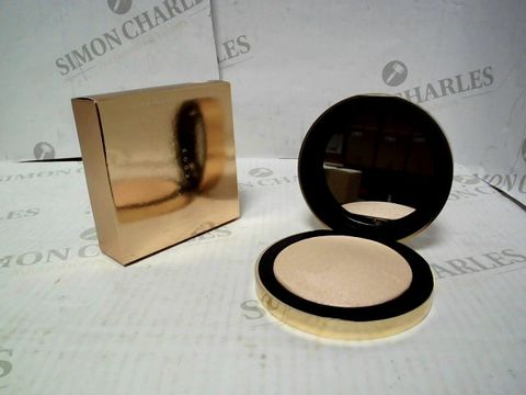 Lot 8000 LOT OF APPROXIMATELY 40 BRAND NEW CRESCENT MOON HIGHLIGHTERS