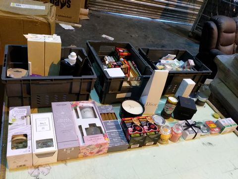 Lot 17 THREE TRAYS OF ASSORTED ITEMS TO INCLUDE: DIFFUSERS, CANDLES, INFRARED BASKING BULBS ETC