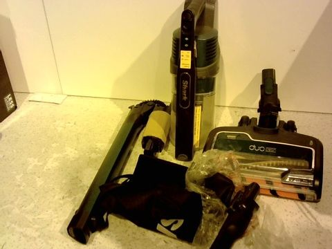 Lot 15340 SHARK CORDLESS VACUUM CLEANER