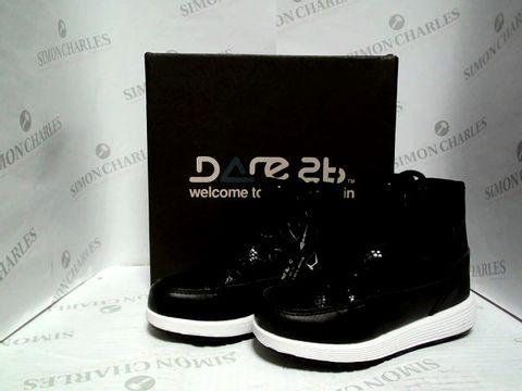 Lot 1024 DARE 2B KIDS AVORIAZ JNR BOOTS - BLACK - UK SIZE 9
