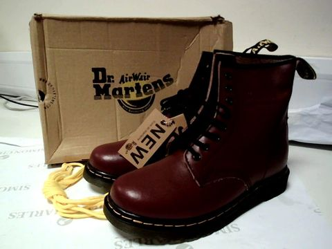 Lot 7110 BOXED UK SIZE 7 DR MARTENS CHERRY RED CLASSIC BOOTS