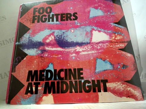 Lot 3257 LOT OF 10 ASSORTED VINYL RECORDS TO INCLUDE; FOO FIGHTERS. RUN THE JEWELS, ACDC ETC