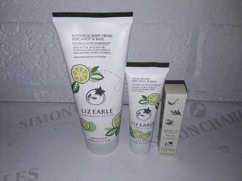 Lot 8428 LIZ EARLE BOTANICAL HAND & BODY 3 PIECE COLLECTION