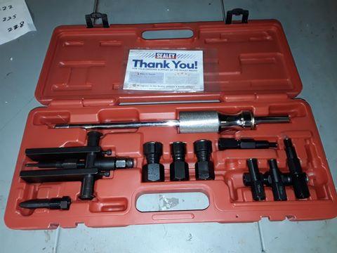 Lot 222 SEALEY AK716 BLIND BEARING PULLER SET 12PC