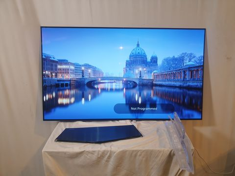 Lot 17 LG OLED55B6V-ES 55 INCH OLED 4K ULTRA HD PREMIUM SMART TV