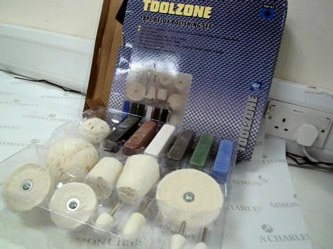 Lot 7535 TOOLZONE 18 PIECE DELUXE POLISHING SET