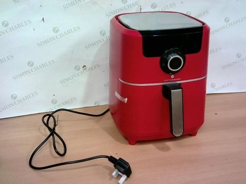 Lot 4102 COOK'S ESSENTIALS AIR FRYER - RED
