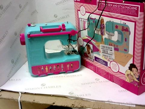 Lot 5478 BARBIE SEWING MACHINE SET RRP £37.99