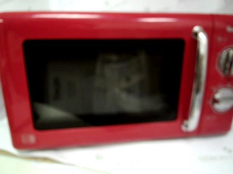 Lot 5029 SWAN MANUAL MICROWAVE OVEN SM22080R - RED RRP £89.99