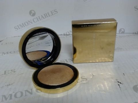 Lot 7041 LARGE QUANTITY OF COSMETICS WHICH INCLUDE TOPSHOP SOLSTICE GLOW POWDER HIGHLIGHTER