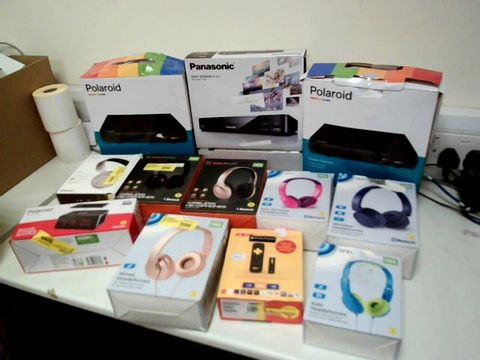 Lot 215 LOT OF ASSORTED ELECTRICAL ITEMS TO INCLUDE: BLU-RAY/DVD PLAYERS, HEADPHONES, NOWTV SMART STICK