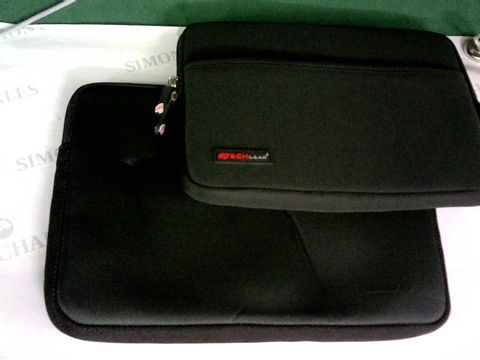 Lot 8500 2 X TABLET/LAPTOP CASES
