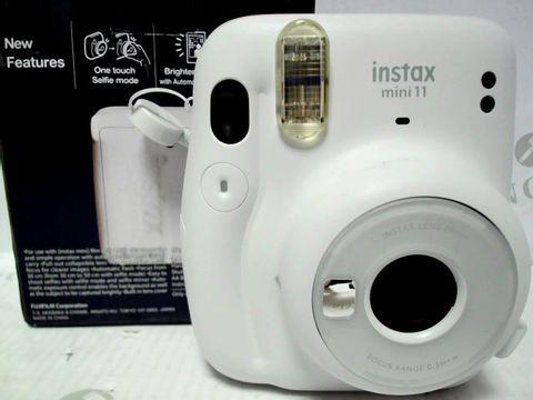 Lot 9519 FUJIFILM INSTAX MINI 11 INSTANT CAMERA  RRP £110.00