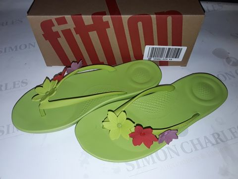 Lot 8049 BOXED PAIR OF FLIPFLOP IQUSHION FLORAL SLIDERS IN LIME GREEN - UK 6