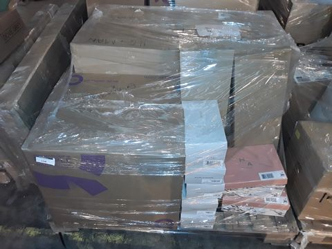 Lot 108 PALLET OF APPROXIMATELY 146 ASSORTED CLOTHING ITEMS, TO INCLUDE: