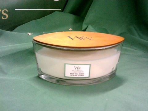Lot 4166 WOODWICK WHITE TEA & JASMINE CANDLE
