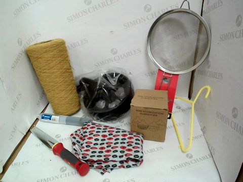Lot 10519 BOX OF A SIGNIFICANT QUANTITY OF ASSORTED HOUSEHOLD ITEMS TO INCLUDE DESIGNER SIEVE, MINI ATOMIZATION HUMIDIFIER, SILVERLINE SBS PLUS CORE DRILL ARBOR ETC