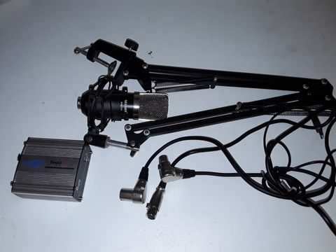 Lot 1242 NEEWER NW-700 MICROPHONE WITH ADJUSTABLE STAND, MUGIG MPP-1 AND CABLES