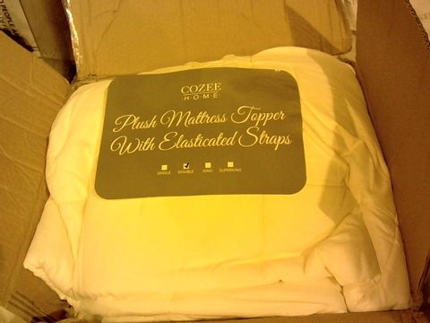 Lot 1049 COZEE HOME PLUSH MATTRESS TOPPER WITH ELASTIC STRAP KING