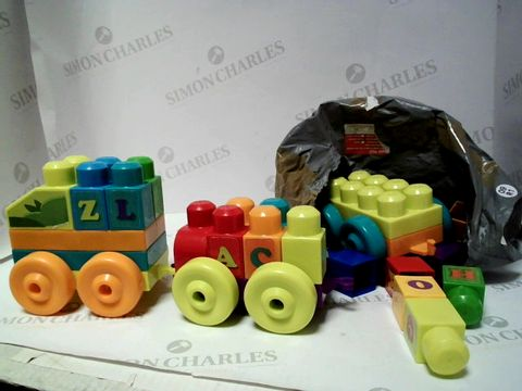Lot 200 MEGA BLOCKS ALPHABET TRAIN