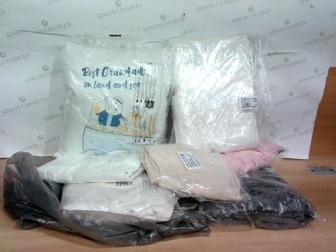 Lot 1220 LOT OF 6 ASSORTED HOUSEHOLD ITEMS TO INCLUDE PEPPA PIG PILLOW, BED SHEETS, DUVET SET ETC.