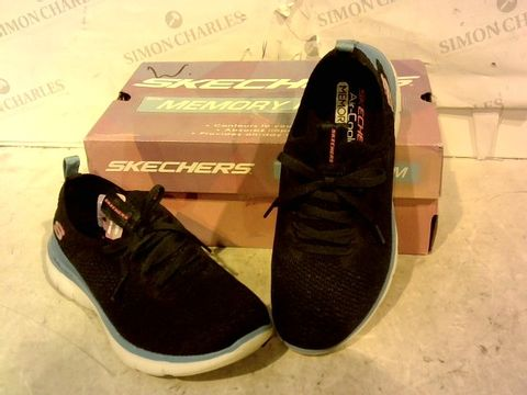 Lot 15921 BOXED PAIR OF SKETCHERS TRAINERS 3.5