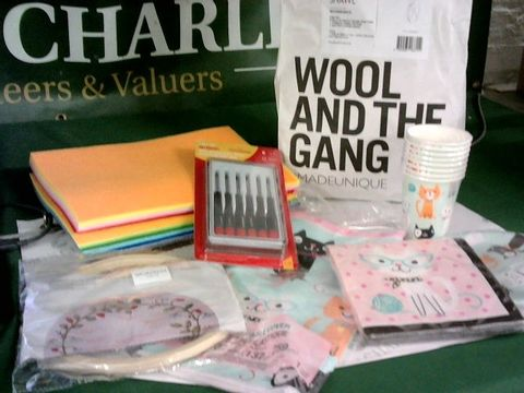 Lot 8265 LOT OF ASSORTED CRAFT/PARTY ITEMS TO INCLUDE KNITTING KIT, FELT, SCREWDRIVERS