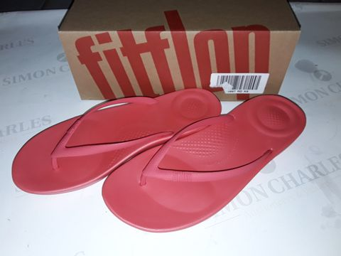 Lot 8019 BOXED PAIR OF FLIPFLOP IQUSHION ERGONOMIC SLIDERS IN HOT PINK - UK 6