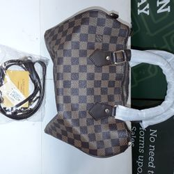 Lot 1 LOUIS VUITTON STYLE HANDBAG IN CHEQUERED BROWN