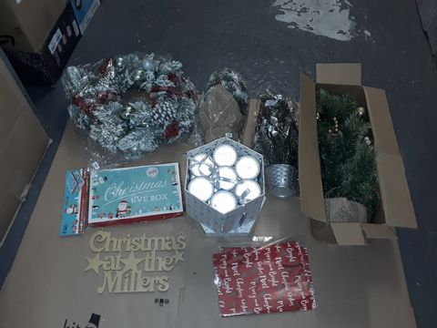 Lot 8267 BOX OF ASSORTED CHRISTMAS DECOR ITEMS TO INCLUDE WREATHS, SMALL TREES, CHRISTMAS EVE BOXES