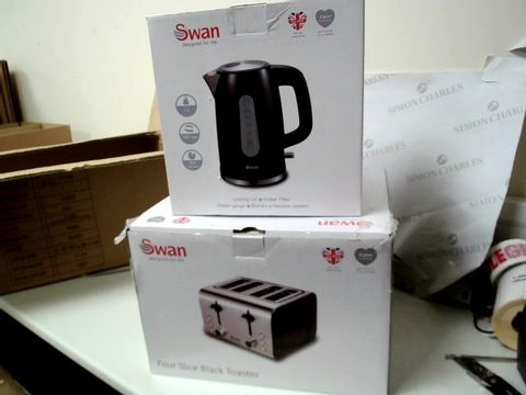 Lot 250 SWAN KETTLE AND 4 SLICE TOASTER PACK RRP £69.99