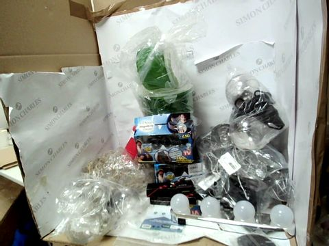 Lot 12058 BOX OF APPROXIMATELY 20 ASSORTED ITEMS TO INCLUDE SET OF 4 MICRON KEYRING FLASHLIGHTS, VIZMAXX MAGNIBRITE GLASSES AND CIRCULAR GREEN TUPPERWARE CONTAINERS