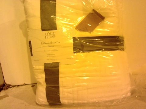 Lot 16207 COZEE HOME EMBOSSED FAUX FUR THROW